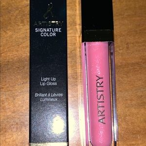 Artistry Signature Color® Light Up Lip Gloss pink